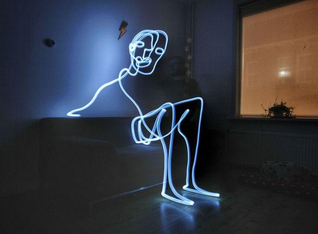 Drawing 366days Singleline Lightpaintingphotography Lightphotography Lightpainting Continuouslineart Hello World