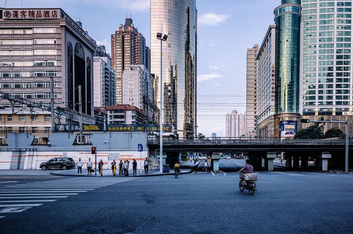 Morning Shenzhen My Traveling Photography My Street Photography From My Point Of View Urban Exploration City Architecture Transportation City Life Real People Morning Capture The Moment Taking Photo
