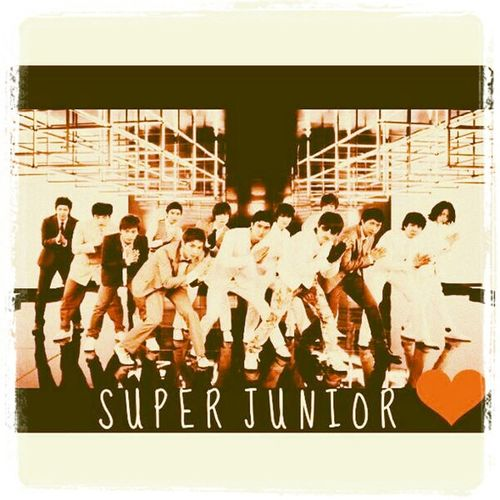 ฉันรักพี่ เเล้วฉันก็จะอยู่ข้างพี่ตลอดไป ;) My Super Junior. My Superman.