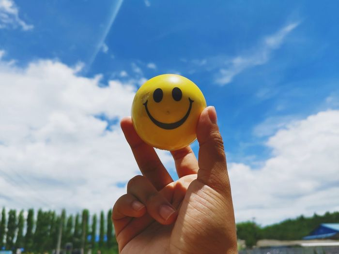 Human Hand Holding Happiness Anthropomorphic Smiley Face Sky Close-up Cloud - Sky Smiley Face