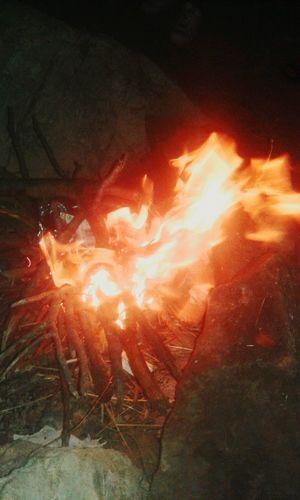 No juegues con el fuego que te quemas