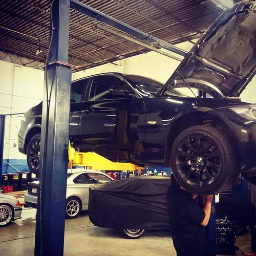 Getting my down pipes reinstalled. And jb4g5 going back in. Let's play. Nycalive BMWCCA Bmwlife E90 e90tristate e90post 335problems 335xi 335 4doorformorewhores turboproblems boosted boostlife turbo twinturbo mncperformance burgermotorsports bms jb4g5 jb4 downpipes vrsfdps letsgo