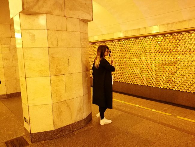 One Person HuaweiP9Photography Metro Metro Station Gold Golden Color Womanstyle Alone Girl Girl in metro weekend