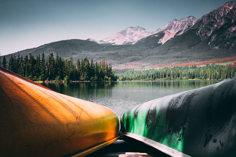 Kanu Fahren Kayaking Pyramid Lake Wildlife & Nature Wildlife Photography Beauty In Nature Boat Boats Canada Day Jasper Jasper National Park Kanu Kayak Lake Landscape Mountain Mountain Range Nature No People Outdoors Reflection Scenics Sky Tranquil Scene Tranquility Tree Water Wildlife