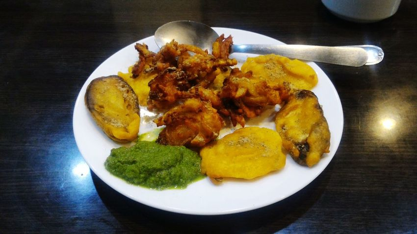 Plate Food Ready-to-eat Freshness Prepared Potato Food And Drink Healthy Eating No People Close-up Indoors  Day Pakoda Snacks