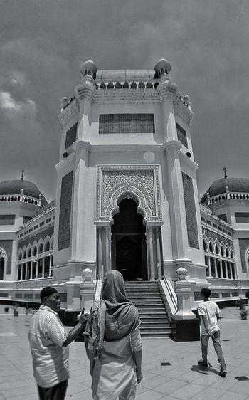 """Myslim style, very nice!"" Medancity Sumatra  Mosque Amazingindonesia Muslim Culture Muslim Architecture Muslim Mosque People Together"