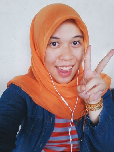 Hello.... Assalamualaikum Hello World Asian Girl Orange Patterns Stripes Relaxing That's Me! It's Me My Picture Peace