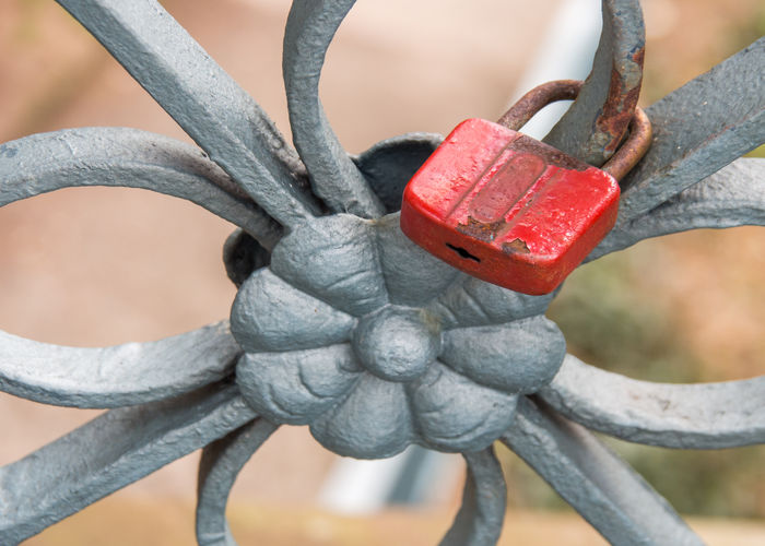 red lock Love Olympus Red Rusty Lock Close-up Day Edithnerophotography Focus On Foreground Metal No People Outdoors Red Symbolizes Love And Loyalty Rusty Metal Rusty Things Symbol