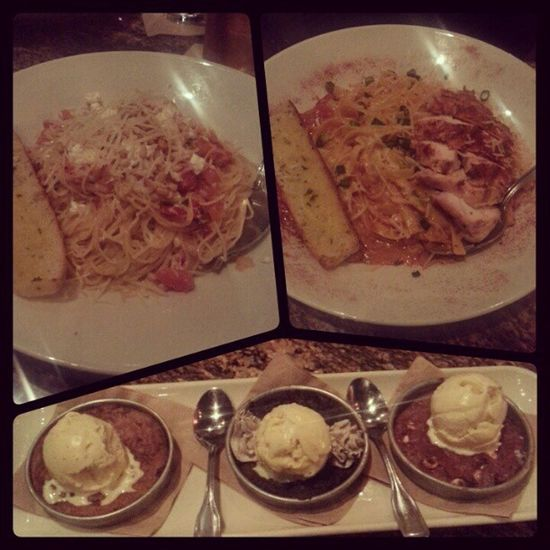 Food. The highlight of this meal was definitely the Pizookie . Redvelvet Chocolatechip CookiesNcream pasta