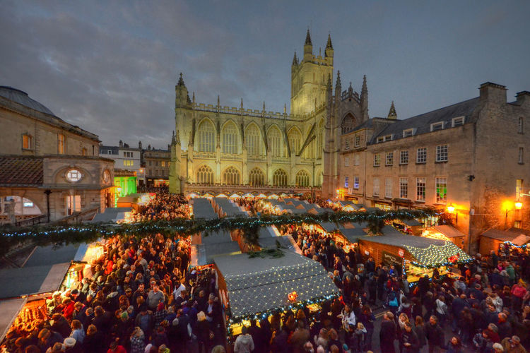 Abbey City Life City Of Bath Crowd Hundreds Of People Kingston Parade Once A Year Xmas Market