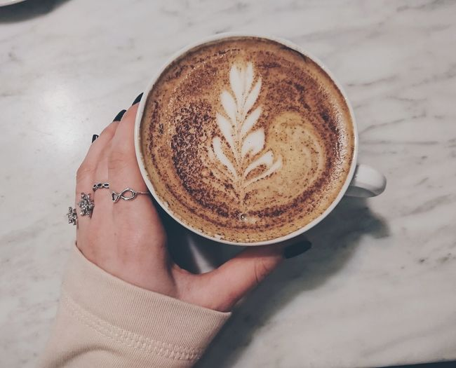 Coffee ☕ EyeEm Selects Coffee - Drink Coffee Cup Drink Frothy Drink Human Body Part Human Hand Cappuccino Latte Indoors  Close-up Table Holding Food And Drink