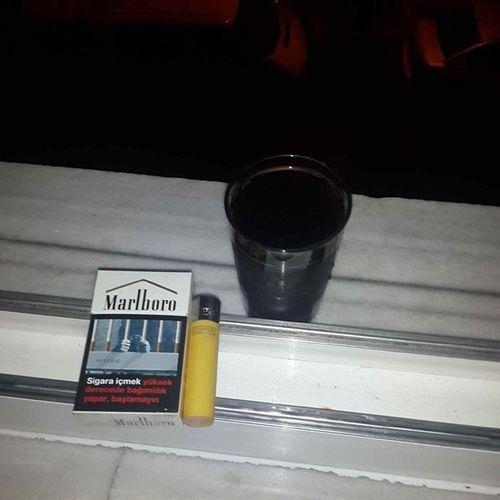 Yemeginustune Kola Sigara Istanbul yagmurr geldeasikolma ??????