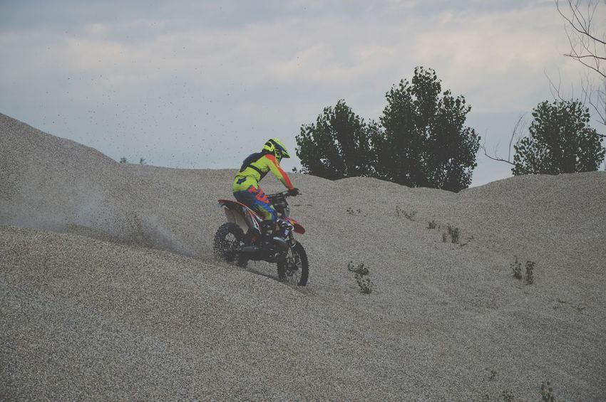 KTMRacing Shift_life Enduro Racing Enduro Lifestyle Enduro Pastro356 Fmf Ktm300xc Moto Real People Land Vehicle Mode Of Transportation One Person Ride Sport Sky Nature Leisure Activity Lifestyles Outdoors Riding Day Men Helmet Road Land Bicycle Motion