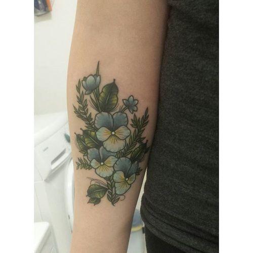 Tattoo NewInk Ink Inkedup Inkedgirls Inkedupgirls Inked Tattooes Tatted Tattedgirl  Flower Vergissmeinnicht Blue Green Yellow Colortattoo Colortattoos Tattoedgirl Tattoed Hardcoreink Beautiful Lovetattoos