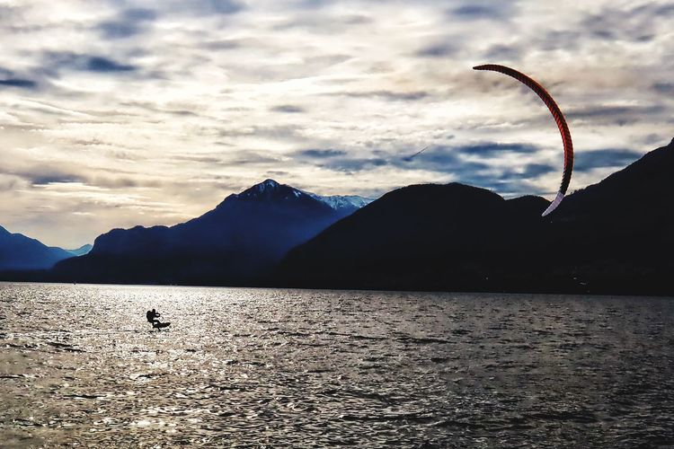 Watersports Lago Di Como Como Lake Italy❤️ Kitsurfing Kitsurf Sky Cloud - Sky Mountain Water Scenics - Nature Beauty In Nature Nature Outdoors Sunlight Flying