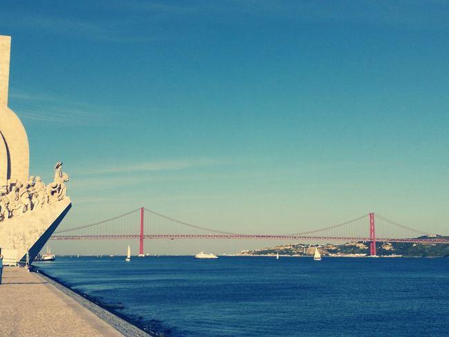 Lisbon Lisbon River Tejoriver Bridge Padrão Dos Descobrimentos