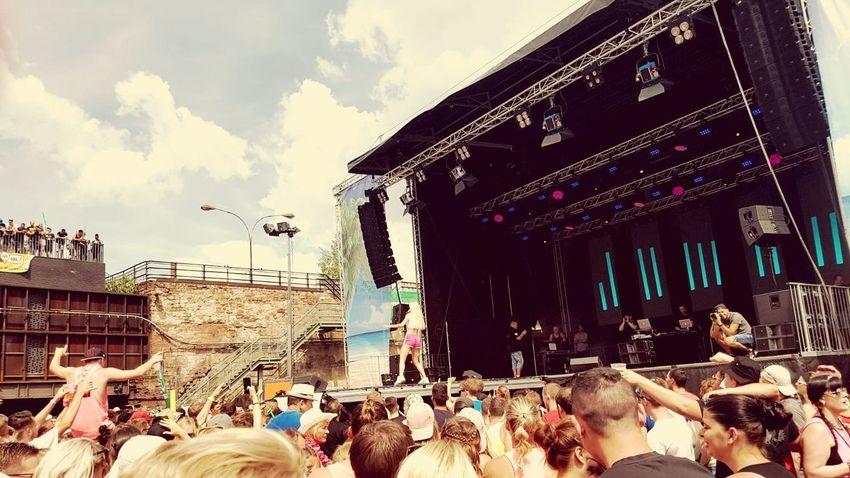 Mallorca Party WKE Völklingen 2018 Archtitecture #ShotByGirlFriend Shotongalaxys7edge EyeEm Best Edits EyeEmNewHere 05.03.18 Crowd City Bird Popular Music Concert Performance Arts Culture And Entertainment Sky Architecture