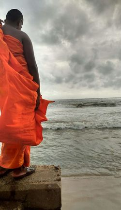 Sri Lanka Horizon Over Water Sky Coastline Cloud Getting Away From It All Monk  Buddhism Ocean Contrast Standing Vibrant Color Sea Water Red Horizon Over Water Standing Sky Coastline Cloud - Sky Tranquility Tranquil Scene Cloud Vibrant Color Vacations