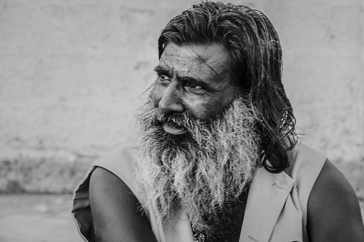 Monochrome Portrait Black And White The Portraitist - 2015 EyeEm Awards Streetportrait The Old Man Relaxing Discussion Indian Man StreetPortraits