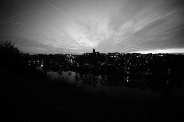 Klausberge Halle (Saale) Saale Sachsen-Anhalt Saxony Anhalt Nachtfotografie Nachtaufnahme Aufnahme 2 Schwarzweiß