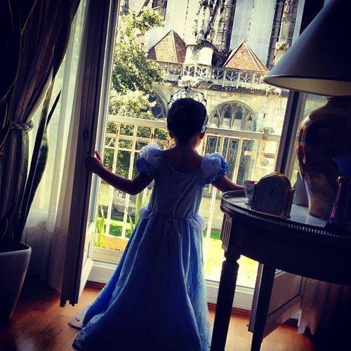 Vanyavanya Cendrillon Greatdaughter Beauvais