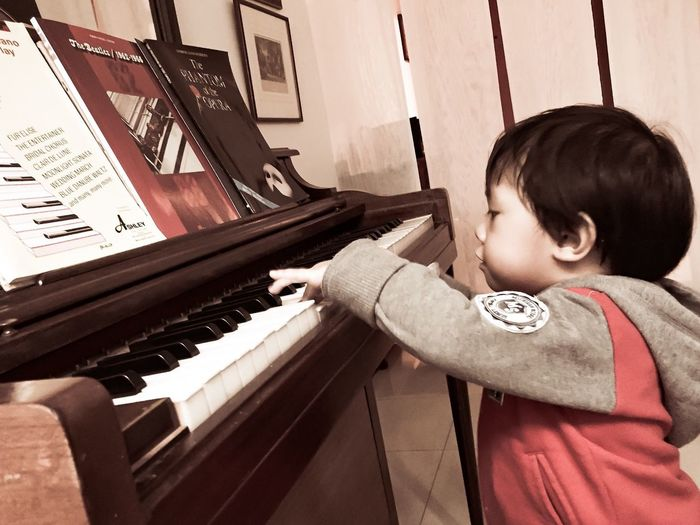 [ First Touch ] Keyboard Just Curious Kids Being Kids EyeEmFiveSenses Touch Pastel Power Piano Piano Keys Piano Key Playing Piano Boy Playing Boy Only Piano Moments Art Is Everywhere This Is Family A New Beginning
