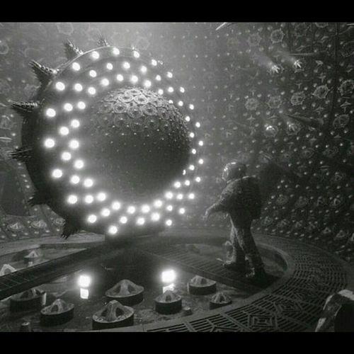 """""""Have you ever seen fire in zero gavity""""? Scifi Deepspace Infinitespace Infiniteterror"""