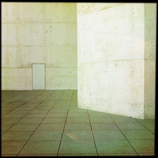 looks like a door II Hipstamatic Door Germany Lines Grey Concrete Deutschland Bonn Kunstmuseum Museumsmeile