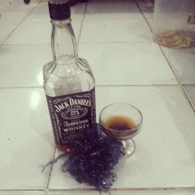 Drink .... Jackdaniel Blacklabel FamilyTime Like4like follow2follow tags4like