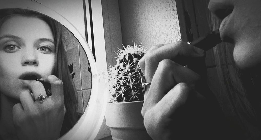 Hanging Out Taking Photos Check This Out Summer Me Myself And I Mirror Reflection Mirror Lips Reflection Pleasure Summertime Cactus Cactus Flower B & W
