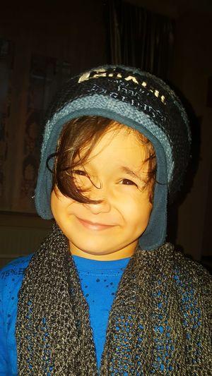Başarı Musab Yakışıklı Tatlı  Indoors  Headshot Window Fashion One Person Close-up Child Day