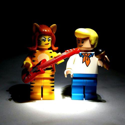 """Josie & Fred"" Legominifigures Legophotogallery LEGO Legophotography Toyphotography Toycommunity Josie  Fred Cartoons Mic Guitar"