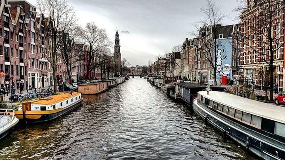 Asterdam😍!!Holland Netherlands Amsterdam City Citylife Igers Igersoftheday Instacity Canal Boat Boathouse Order Instamoment Instapic Instadaily Picofhteday Dailyphoto Photooftheday