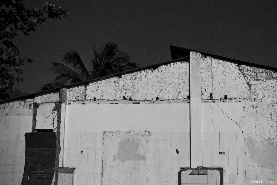 Architecture Blackandwhite Building Exterior Built Structure Cracks In The Wall No People Outdoors Sky Urbex Dili Timor-Leste