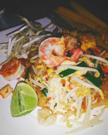 Pad-Thai Food And Drink Food Freshness Healthy Eating No People Ready-to-eat Padthai Thailand Thai Cuisine Shrimps! 🍝 Thai Foods Serving Size Lemon Yummy♡ Noodels Shrimps Si Racha Food Styling Close-up Nice Food And Drink Dish Freshness Meal