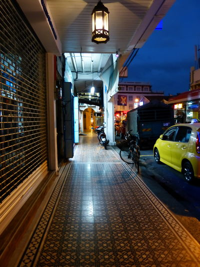 Gehweg in Georgetown, Penang Architecture Asia <3 Chinese Culture And History Chinese Tradition Chinesische Gehweg Fliesen City Eye4photograghy Eyeemasia Illuminated Lighting Equipment Night Night Shot, No People Old Chinese Walkway Street View At Night The Way Forward Travel Destinations Travel In Asia Travel Photography UNESCO World Heritage Site