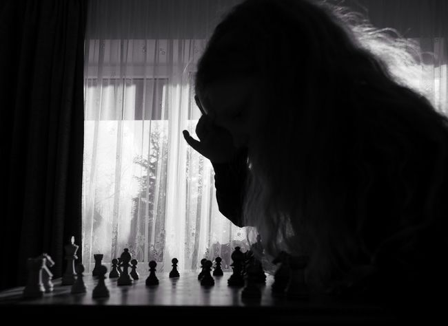 Think big - MAinLoveWithLightAndShadow and Little Girl Thinking Chess Chess Game Think Thinker Think Big Play Playing Mono Monochrome Monochromatic Black And White Bnw Bnw_collection Bnw_captures Bnw Photography Bnw_maniac Silhoutte Silhoutte Photography Silhouette_collection Children Children Photography How I See People - 27.01.2018 - #BadLippspringe