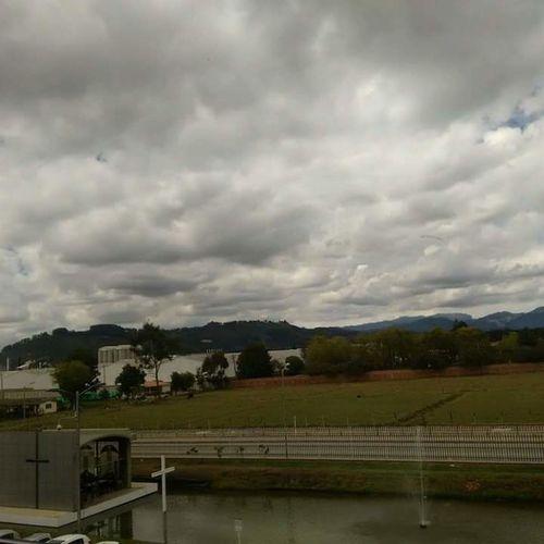 Belcorp Empresa Tocancipa Colombia ♥  Cielo Y Nubes  Lago Lindavista