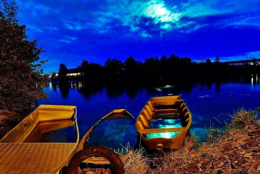 Nautical Vessel Transportation Mode Of Transport Boat Nature Moored Tree Outdoors Lake Water Sky No People Scenics Tranquility Houseboat Rowboat Night Beauty In Nature EyeEm Best Shots EyeEm Nature Lover Travel EyeEm Gallery