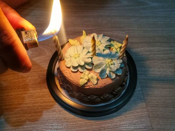 Daughter's Birthday Human Hand Cake Sweet Food Dessert Human Body Part Candle Food Celebration Burning Birthday Cake Birthday Huawei Collection Huaweiphotography EyeEm Thailand Burning Birthday Candles