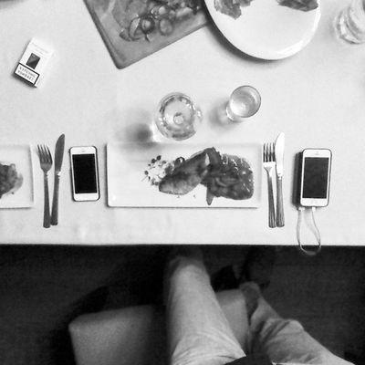 графично набор приборов айфон чернобелое Еда 25летвместе 67 чб vkpost blackandwhite iPhone graphically food wine bnw
