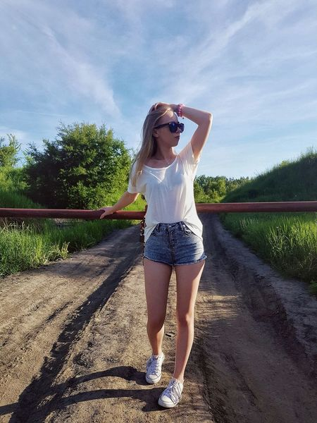 Standing Only Women One Person Front View Human Body Part One Woman Only Young Adult Shadow Summer Sky Full Length Nature Freshness Growth 🌹🌞beauty EyeEmNewHere