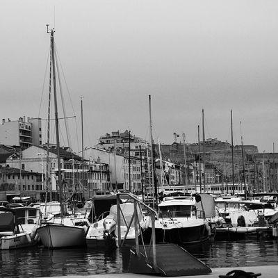 Je me rappelle souvent un fameux 8 juin 2013. .. une expo.. quelques mots. .. des regards.. une rencontre.. trop courte. .. une ville.. un port.. une planète la tienne.. @sista_l A_la_maniere_de ....