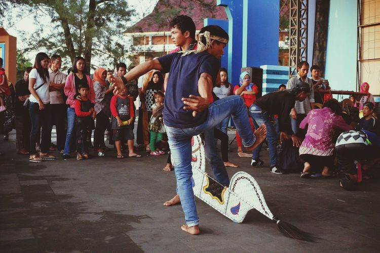 culture Javanese Breakdancing Young Women Full Length City Togetherness Dancing Motion Vitality Street Art Handstand
