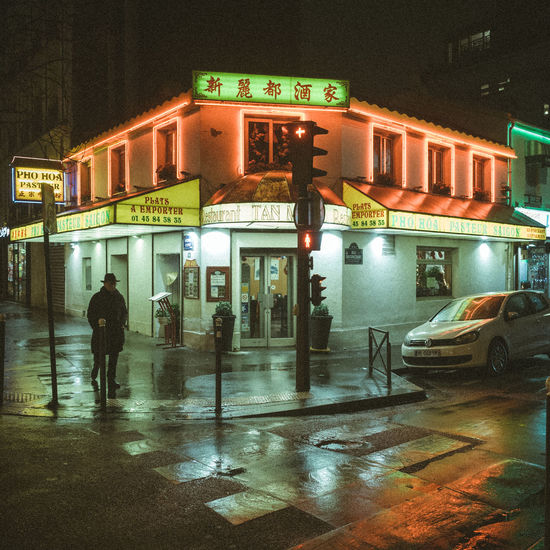 Nightphotography RICOH GR 2 City Night Streetphotography Wet