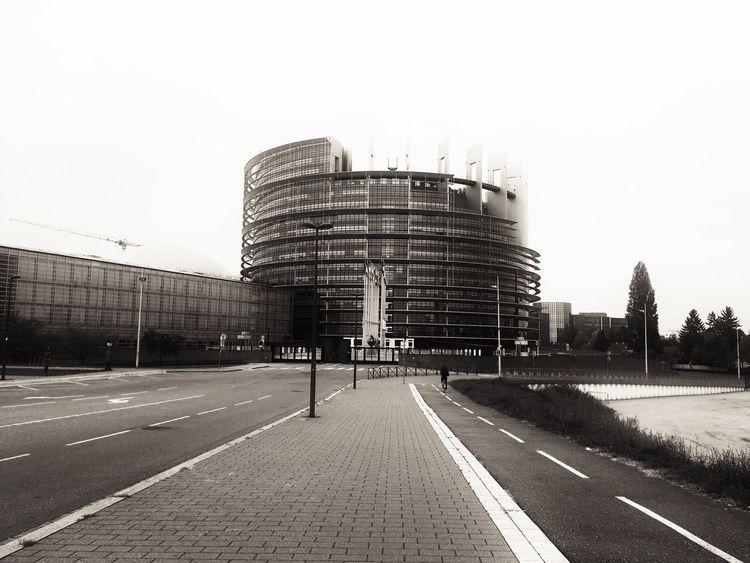 Parlementeuropéen proche de Strasbourg ! European Union Building Exterior Architecture Outdoors Built Structure