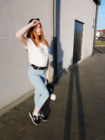 One Person Casual Clothing Young Adult Skateboard Cool Attitude Leisure Activity Full Length Fashion One Woman Only One Young Woman Only Shadow Young Women People Only Women Day Lifestyles Portrait Outdoors Adult Adults Only