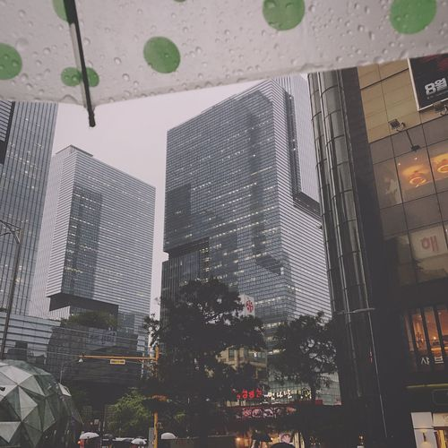 비오는날 Raindrops Rainy Days☔ Gloomy Weather Day City Seoul, Korea Gangnam Raining Outside Umbrella☂☂ With Rain Drops Iamhungry Walking Around The City  Built Structure Sky