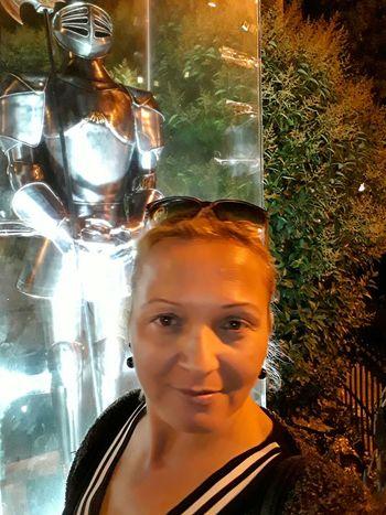 One Person One Woman Only Art Gallery Fotografia Artphotography Art Photography Nature Night Life Night Out Fotograf Artistic Turkish Türkiye 💙💛 Turkey💕 ıstanbul, Turkey Street Photography Şövalye Army Army Soldier