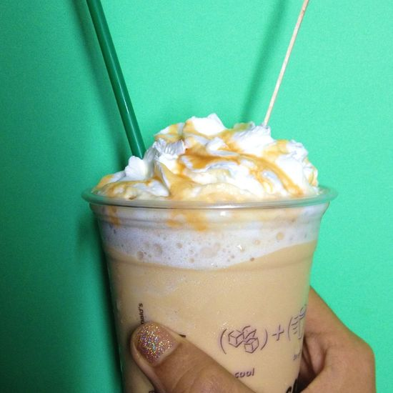 It's 2:35am for god's sake!! Damn Damn Damn me!! Caramel Frappè Drinks Late Night Food Porn